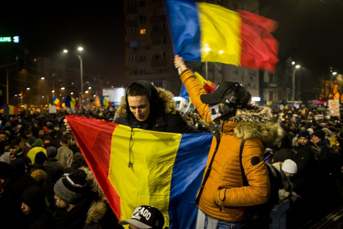 Rumuni protestují v Bukurešti proti vládě