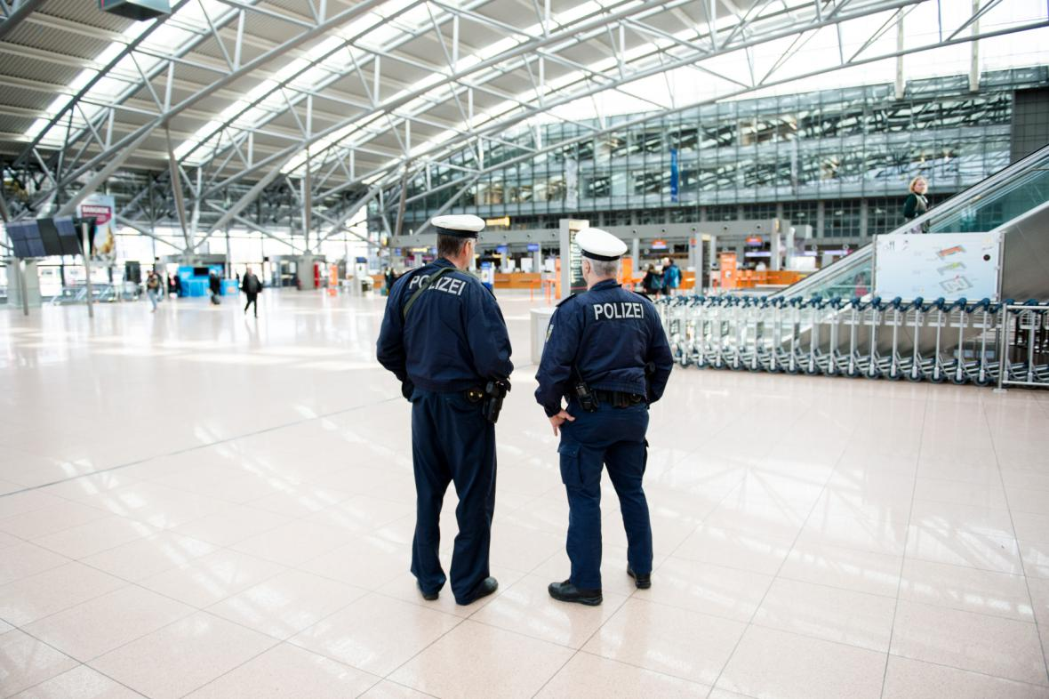 Policie na hamburském letišti