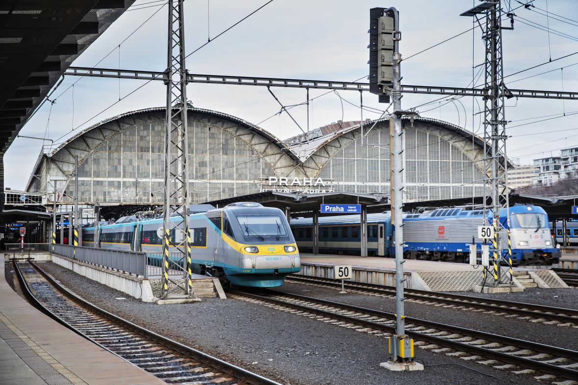 Drážní vozidla a železniční infrastruktura