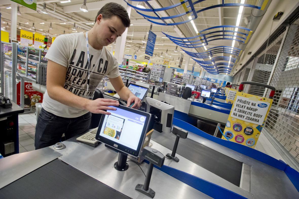 Příprava na EET v hypermarketu Albert