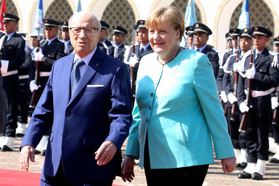 Kaíd Sibsí a Angela Merkelová