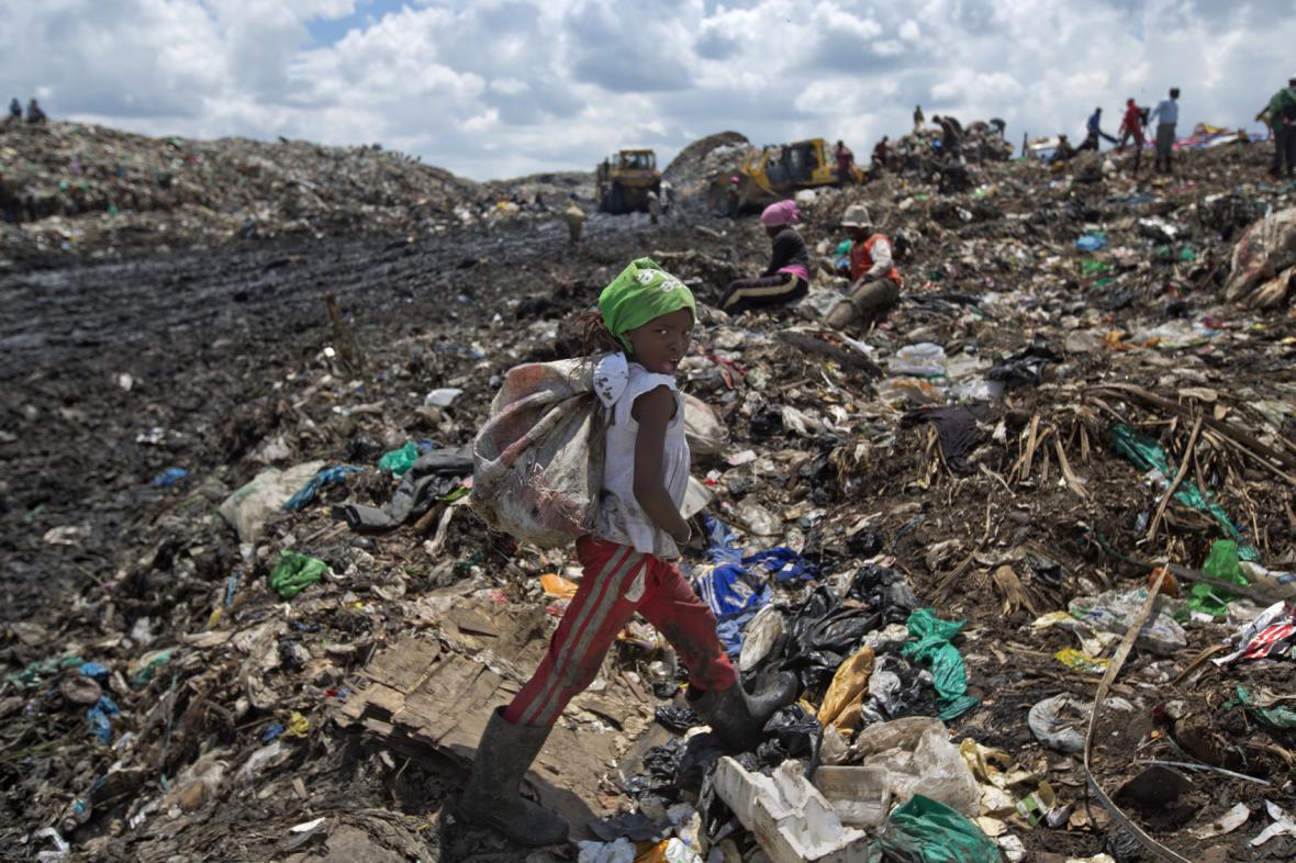 Život dětí na skládce v Nairobi