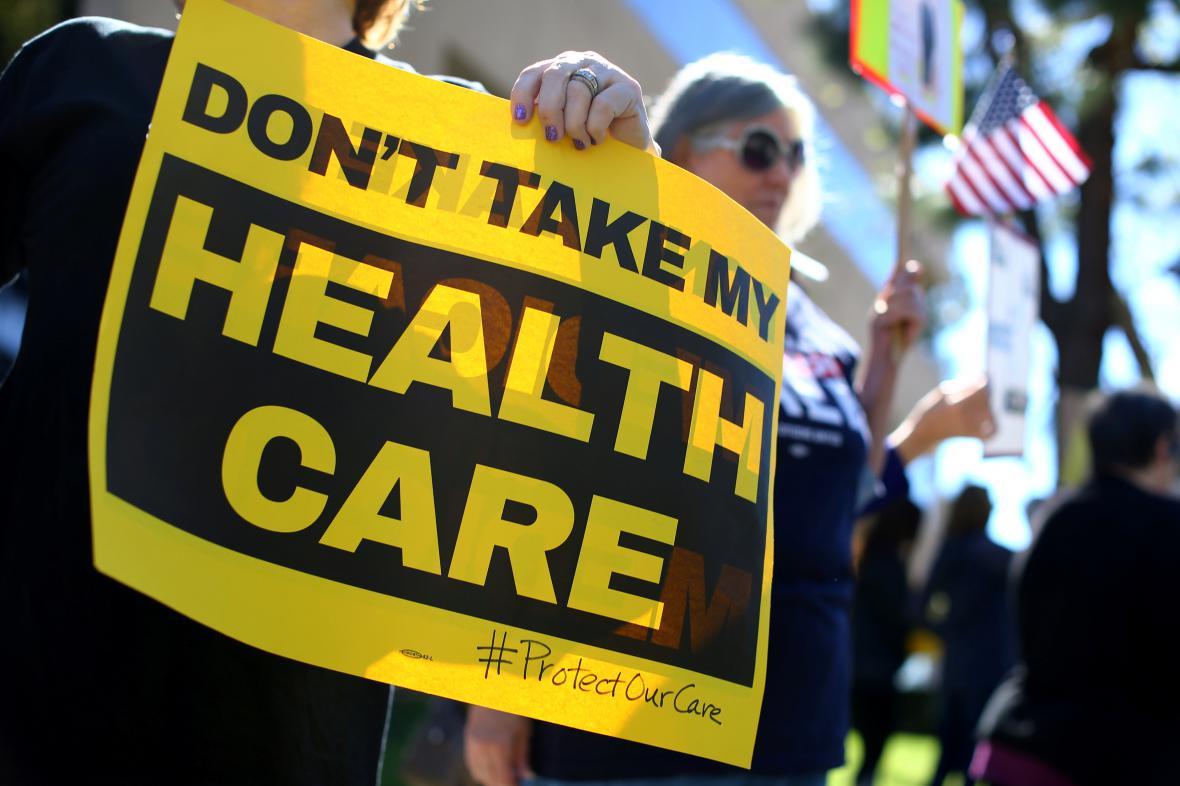 Protesty v Kalifornii proti chystanému zrušení Obamacare