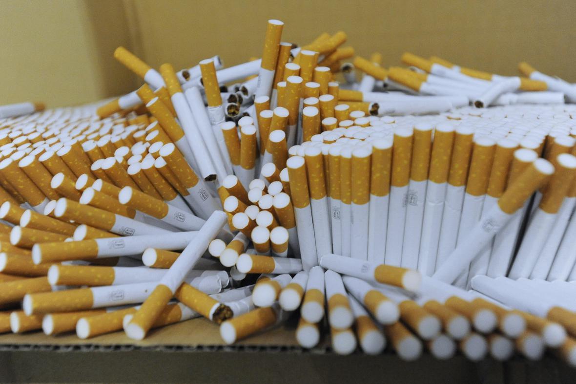 Falešné cigarety připravené k likvidaci
