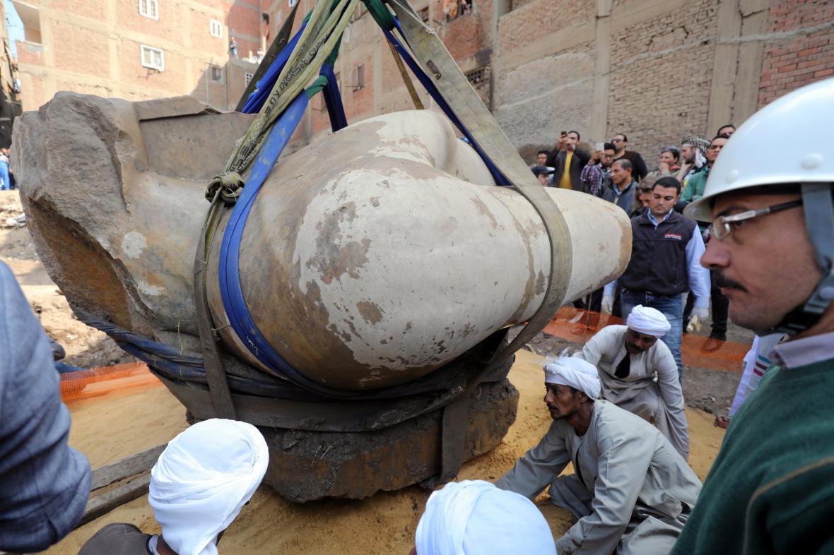 Socha nalezená v Káhiře zřejmě patří Psammetikovi I.
