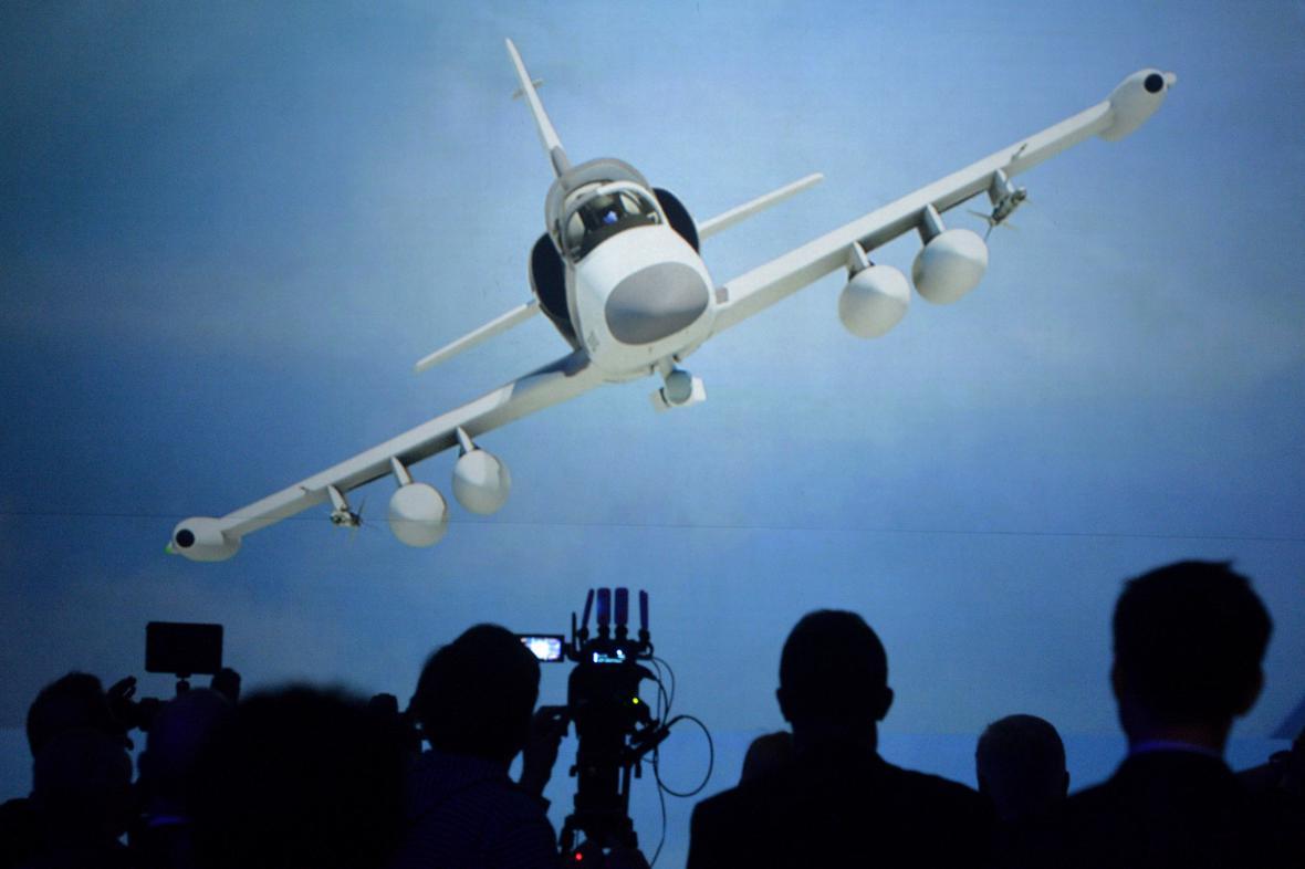 Firma Aero Vodochody představila nový letoun L-159
