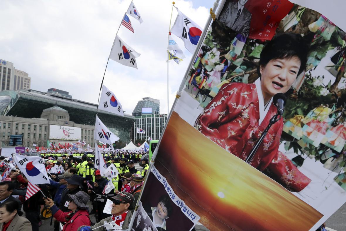 Protesty proti zatčená jihokorejské exprezidentky
