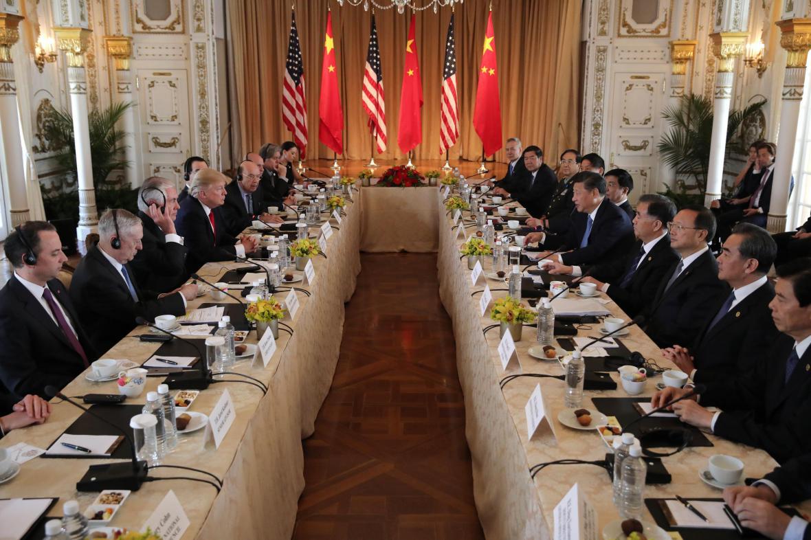 Jedná americké a čínské delegace v Palm Beach