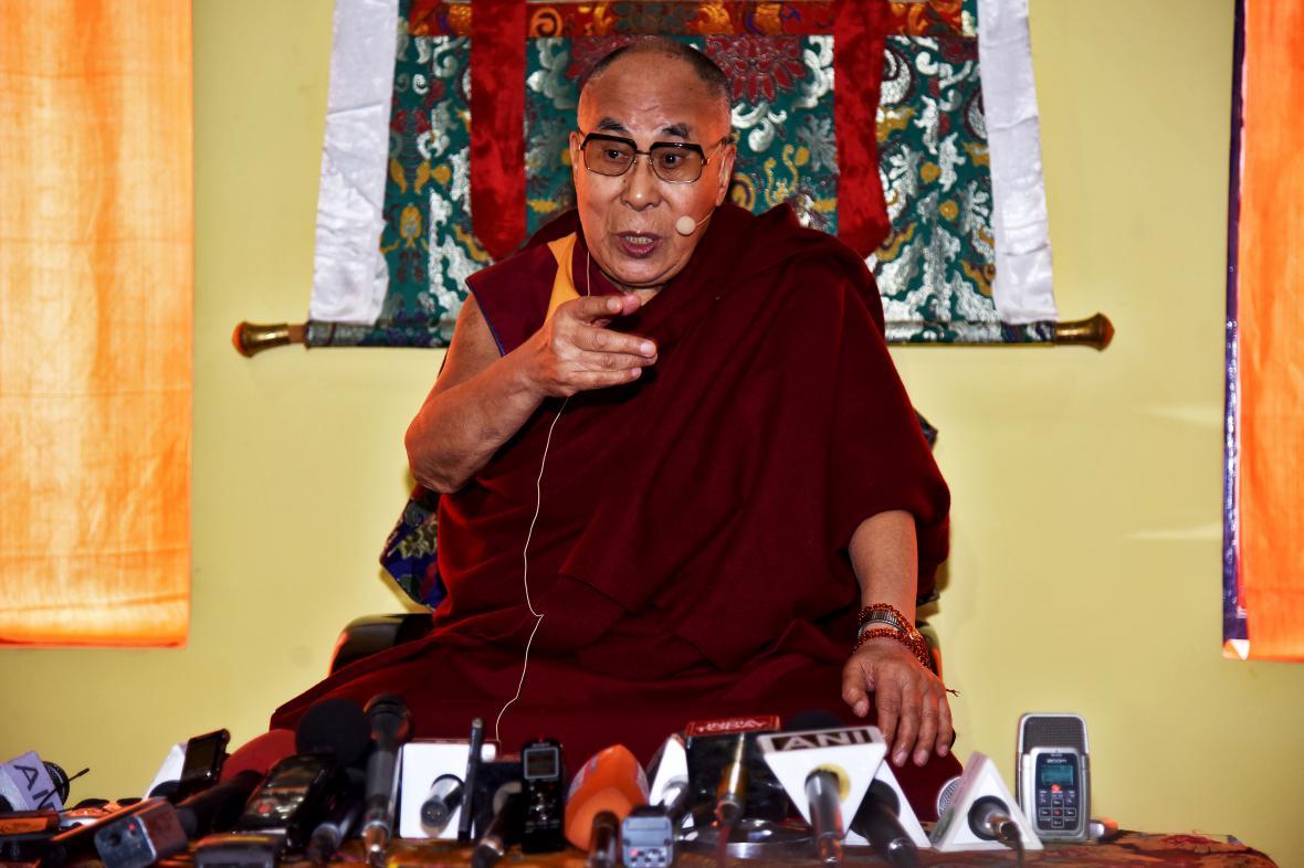 Dalajlama na návštěvě kláštera Tawang v Indii