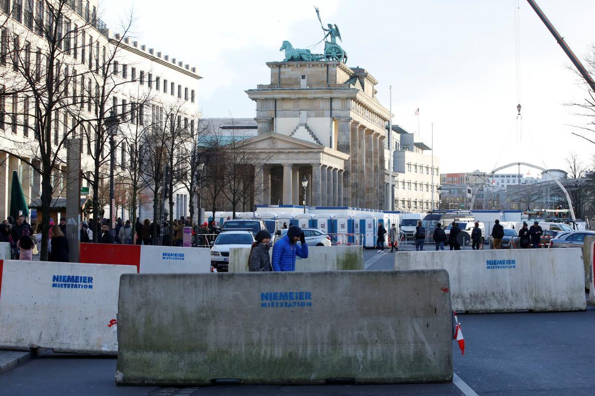 Zátarasy u Braniborské brány před koncem loňského roku