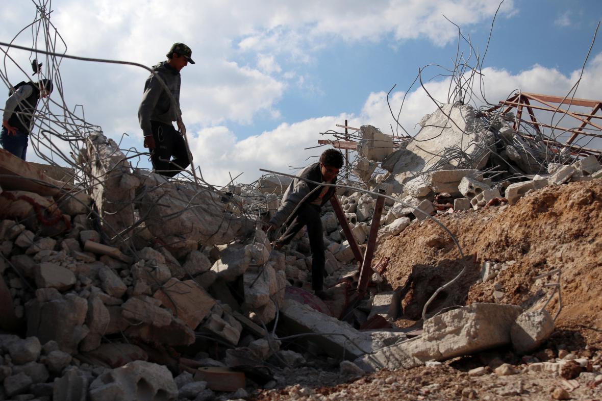Následky náletu v Dará