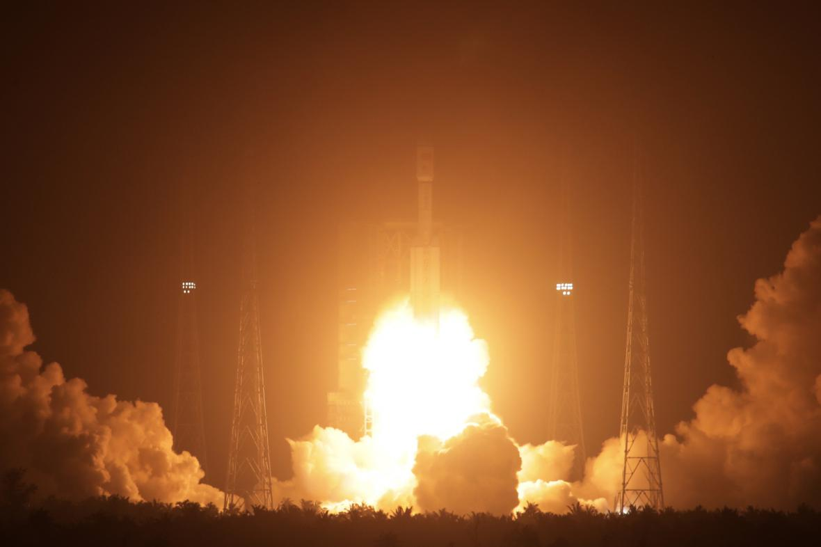 Start čínské vesmírné lodi