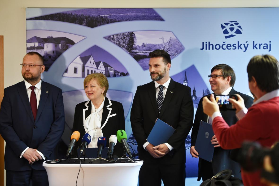 Zástupci stran v úterý podepsali prohlášení o budoucí spolupráci