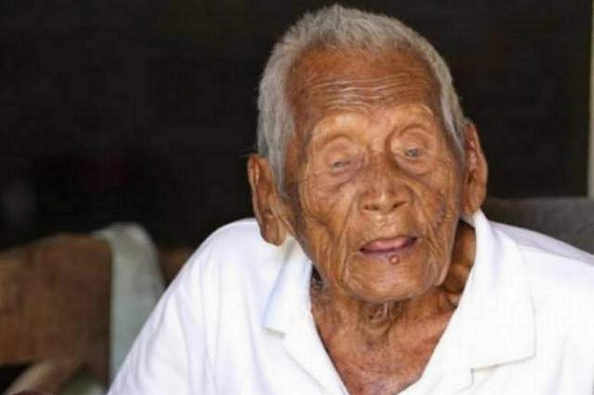 Muži se přezdívalo také Mbah Ghoto (dědeček Ghoto)
