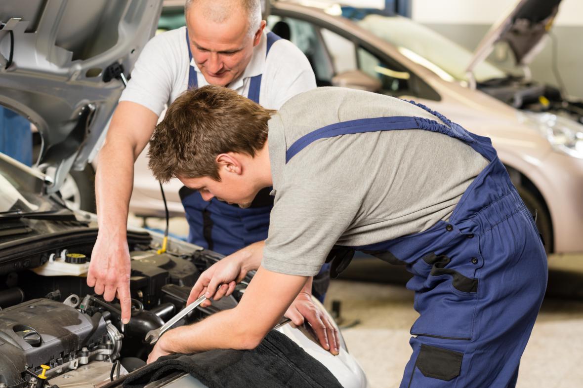 Oprava auta v autoservisu