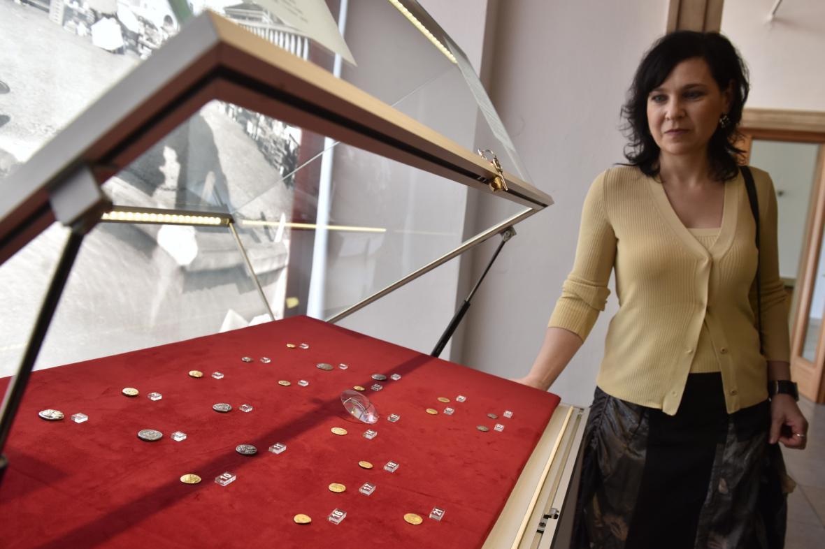 Vzácné mince vystavené v Moravském zemském muzeu