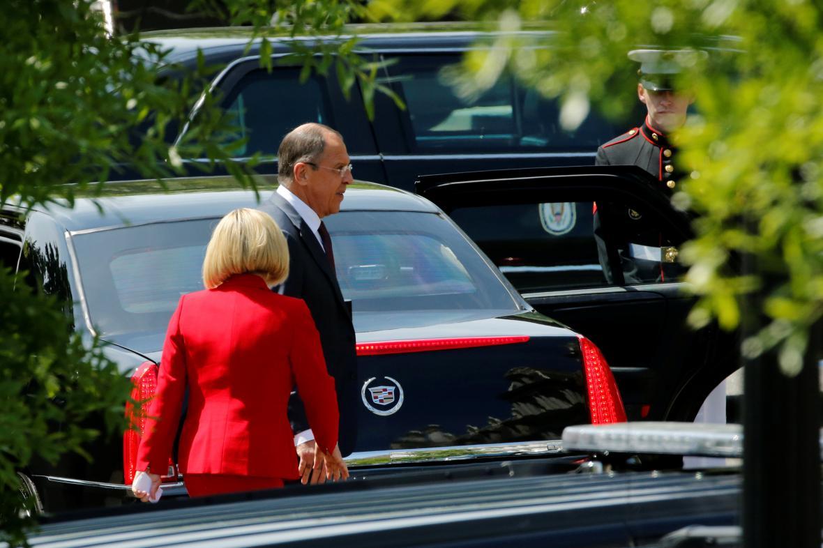 Lavrov po setkání s Trumpem v Bílém domě