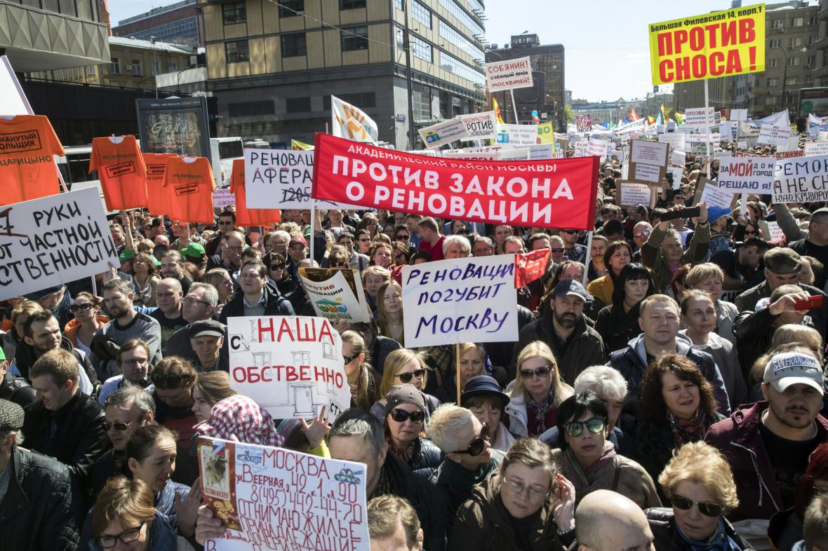 Protest proti boření