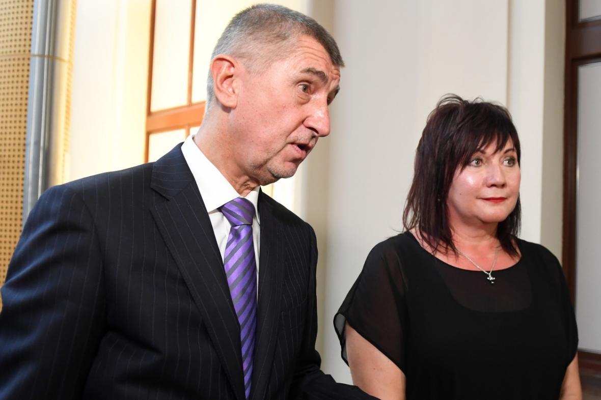 Andrej Babiš s Alenou Schillerovou odpovídají novinářům