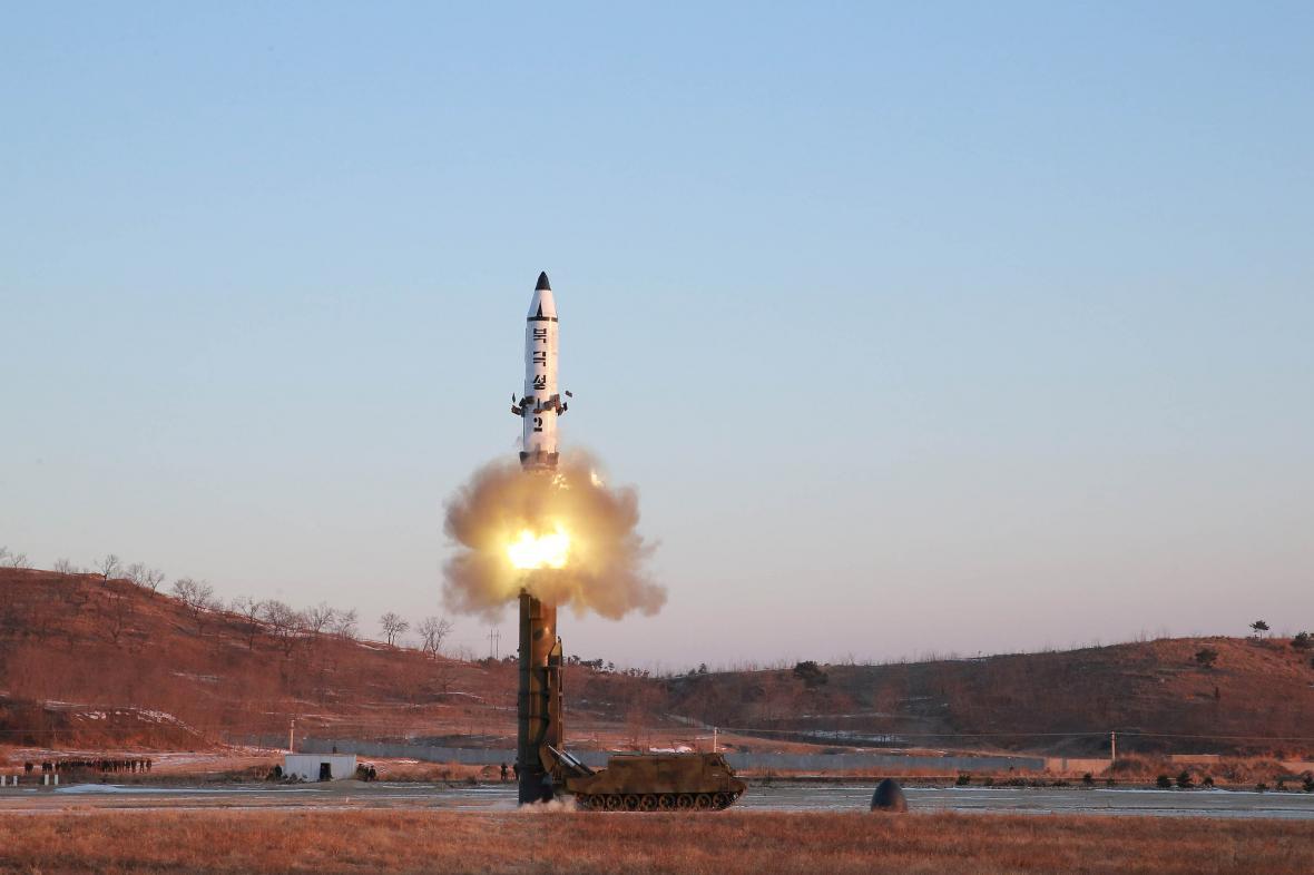 Test rakety Pukguksong-2