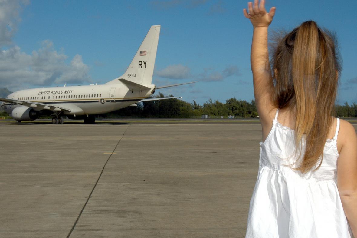 Dítě a letadlo