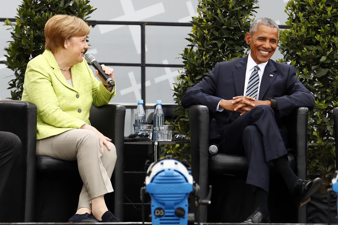 Angela Merkelová a Barack Obama při debatě v Berlíně