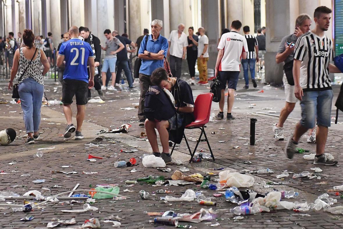 Centrum Turína po panice v noci