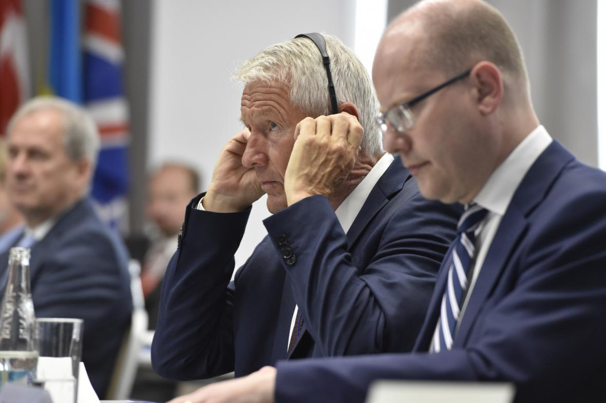 Bohuslav Sobotka a Thorbjørn Jagland na konference o závaznosti soudního rozhodování