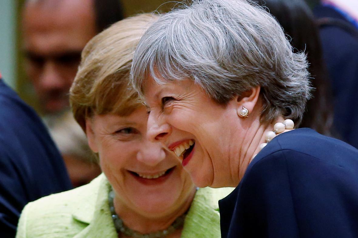 Theresa Mayová s Angelou Merkelovou během summitu EU