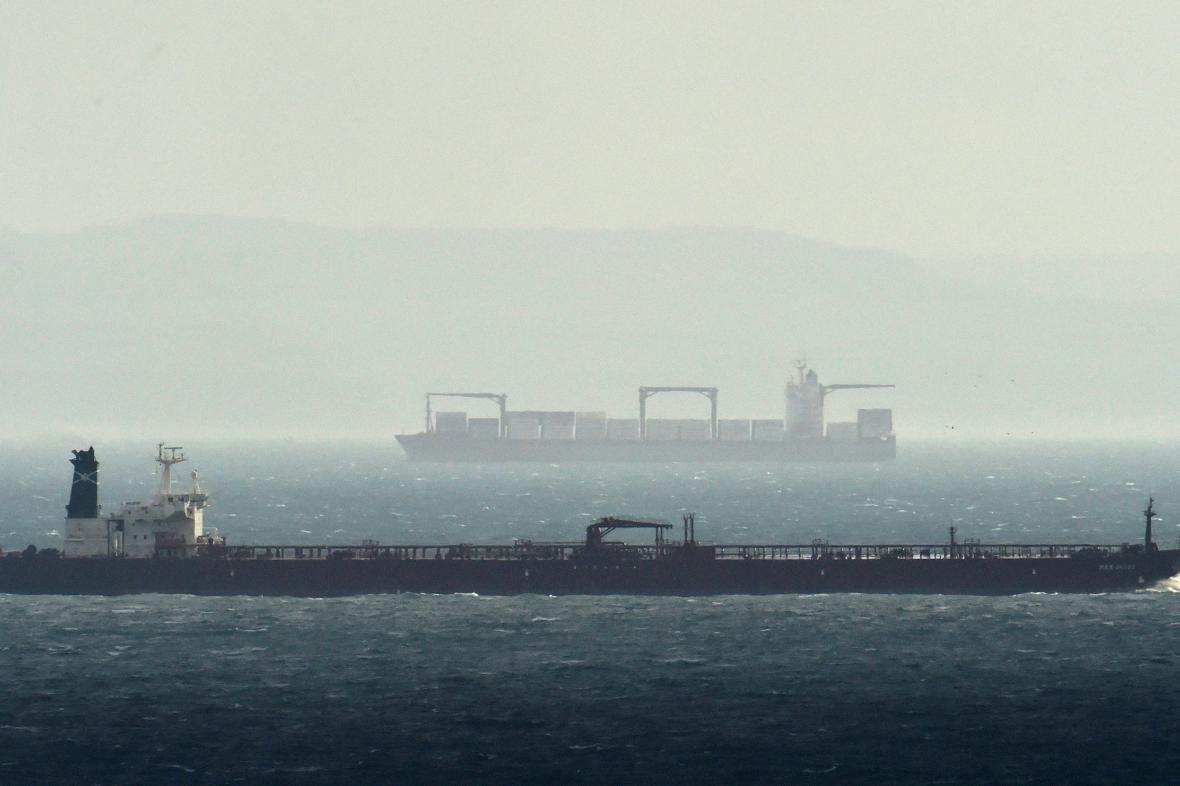 Kanál La Manche je jednou z nejfrekventovanějších námořních cest