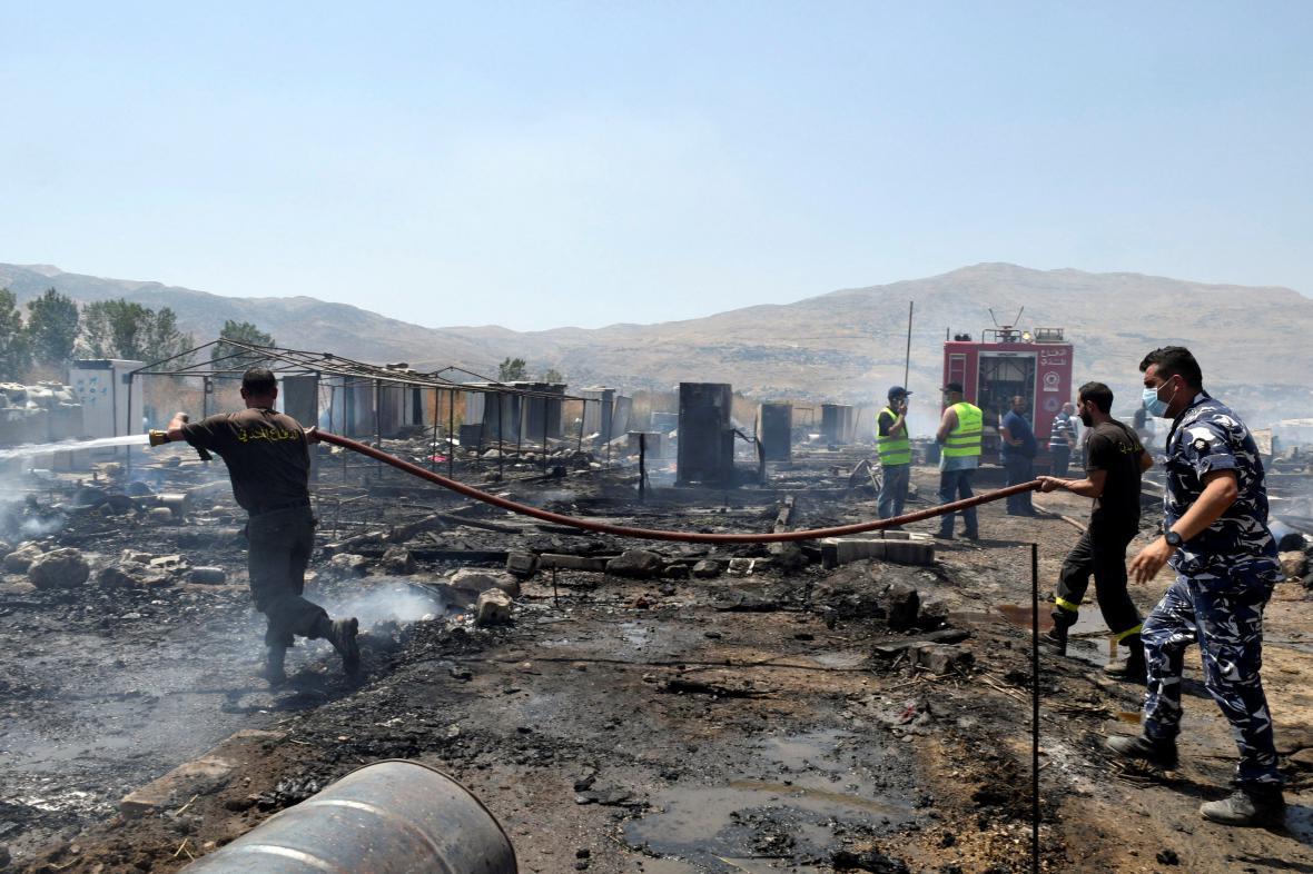 Požár v uprchlickém táboře v Libanonu