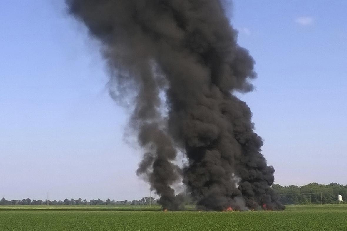 Požár po nehodě vojenského letadla v okresu LeFlore