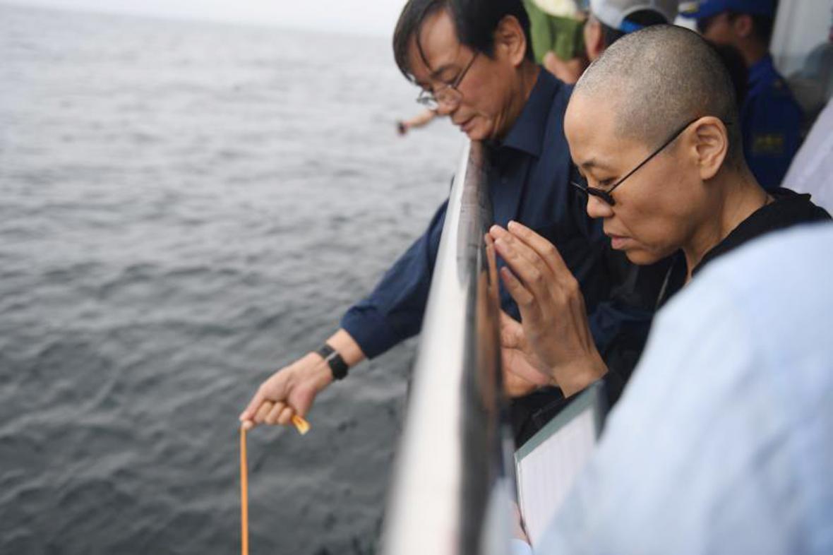 Liou Sia na pohřbu svého manžela