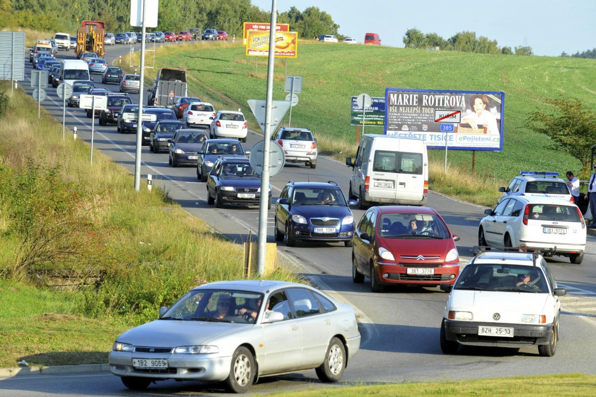 Kuřimí projedou denně stovky aut. Léta čeká na obchvat