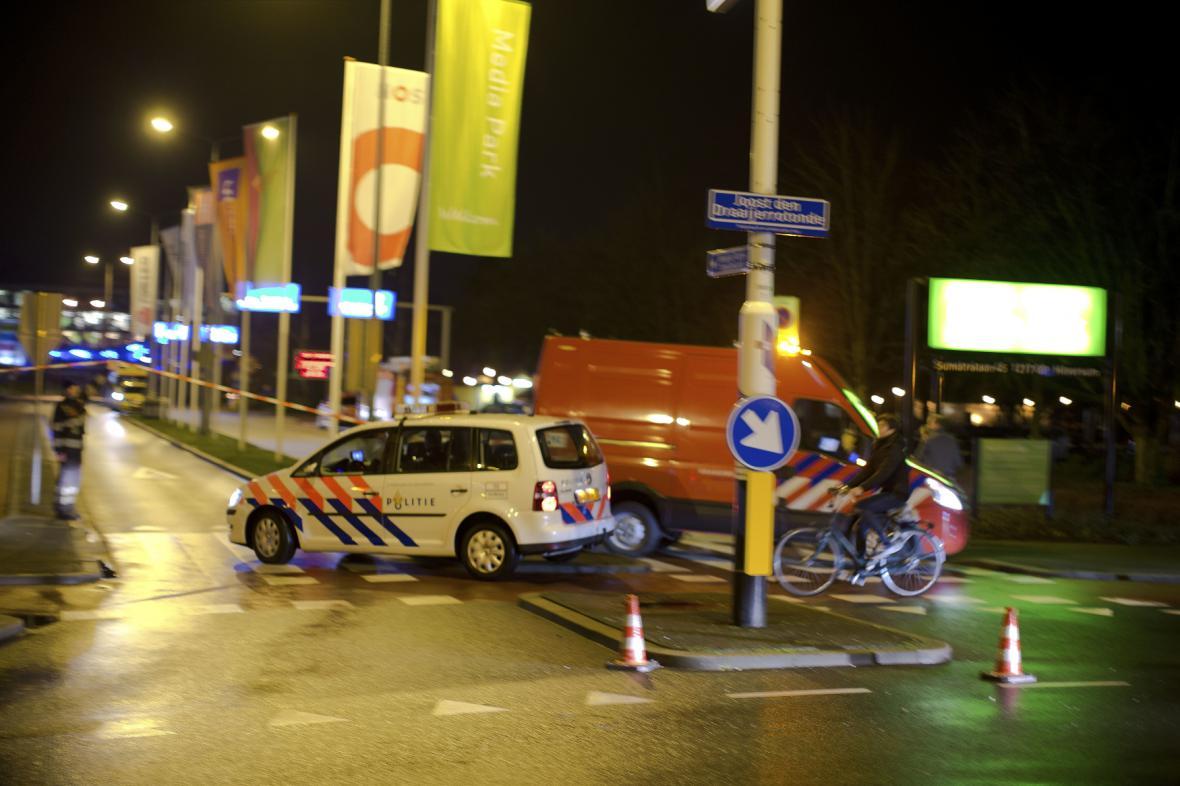 Policejní vůz v ulicích Hilversumu