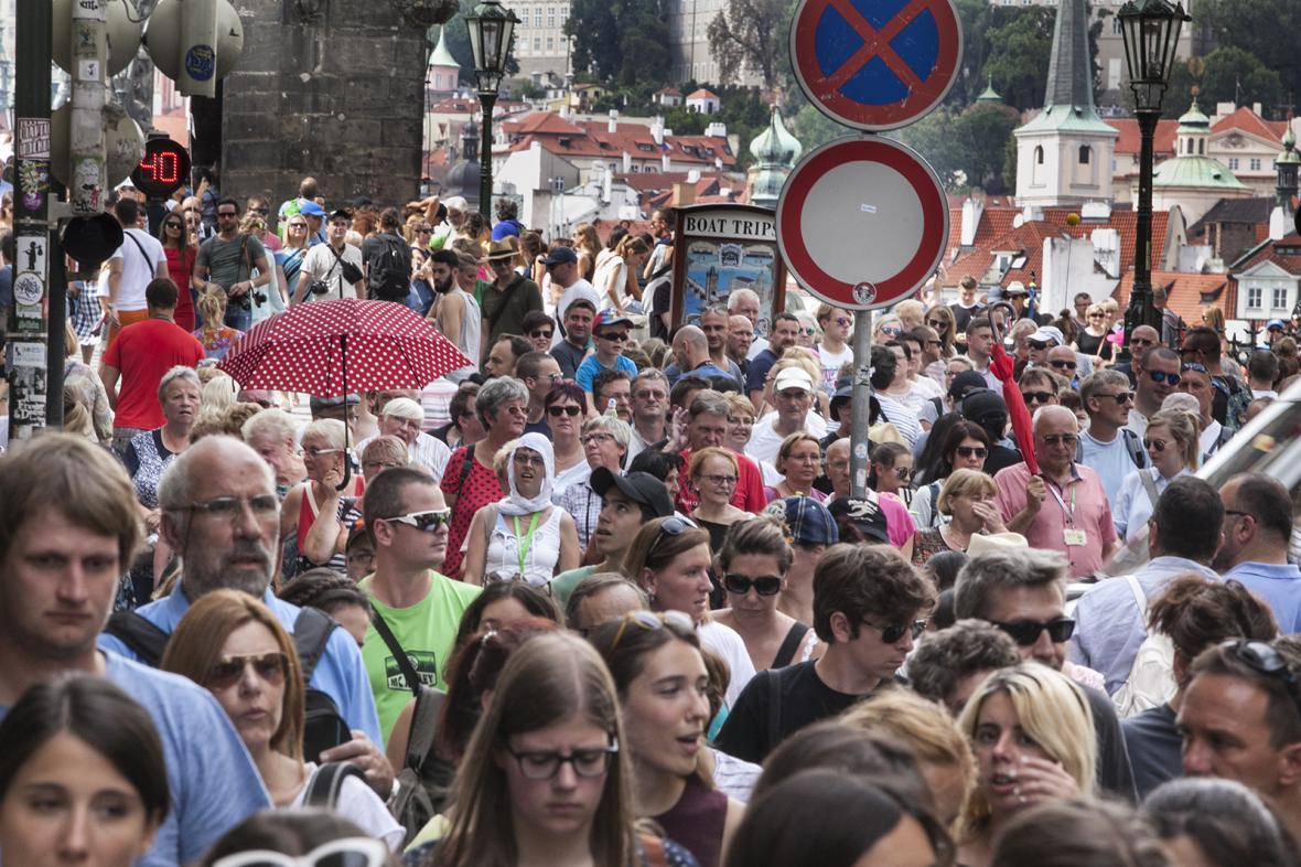 Turisté v centru Prahy