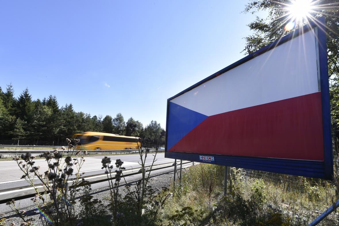 Billboard s vlajkou