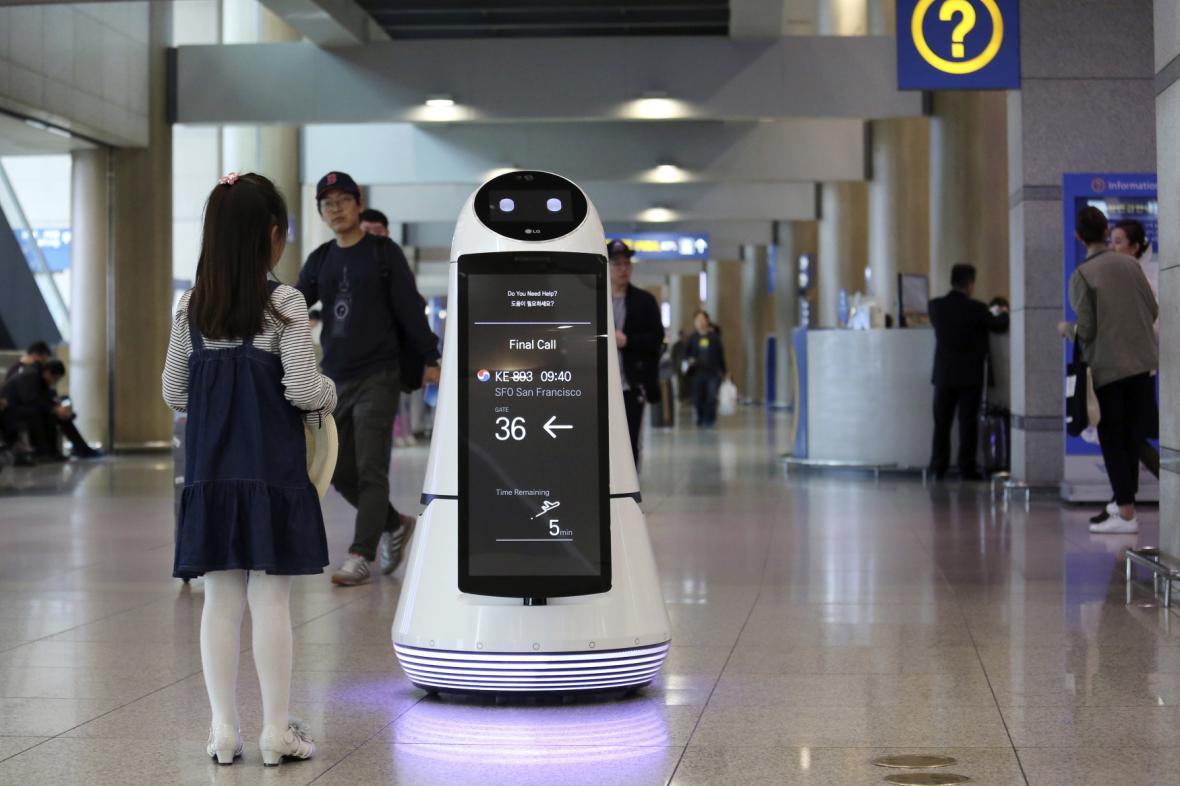 Robot na letišti v Koreji