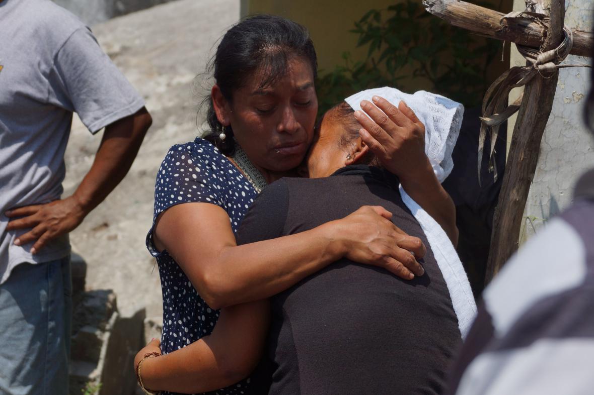 Smutek a zoufalství po zemětřesení v mexickém státě Oaxa