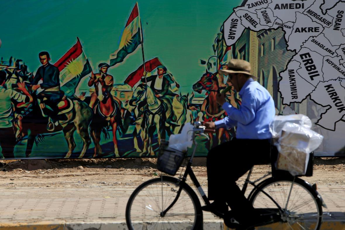 Plakát v Erbílu podporující referendum