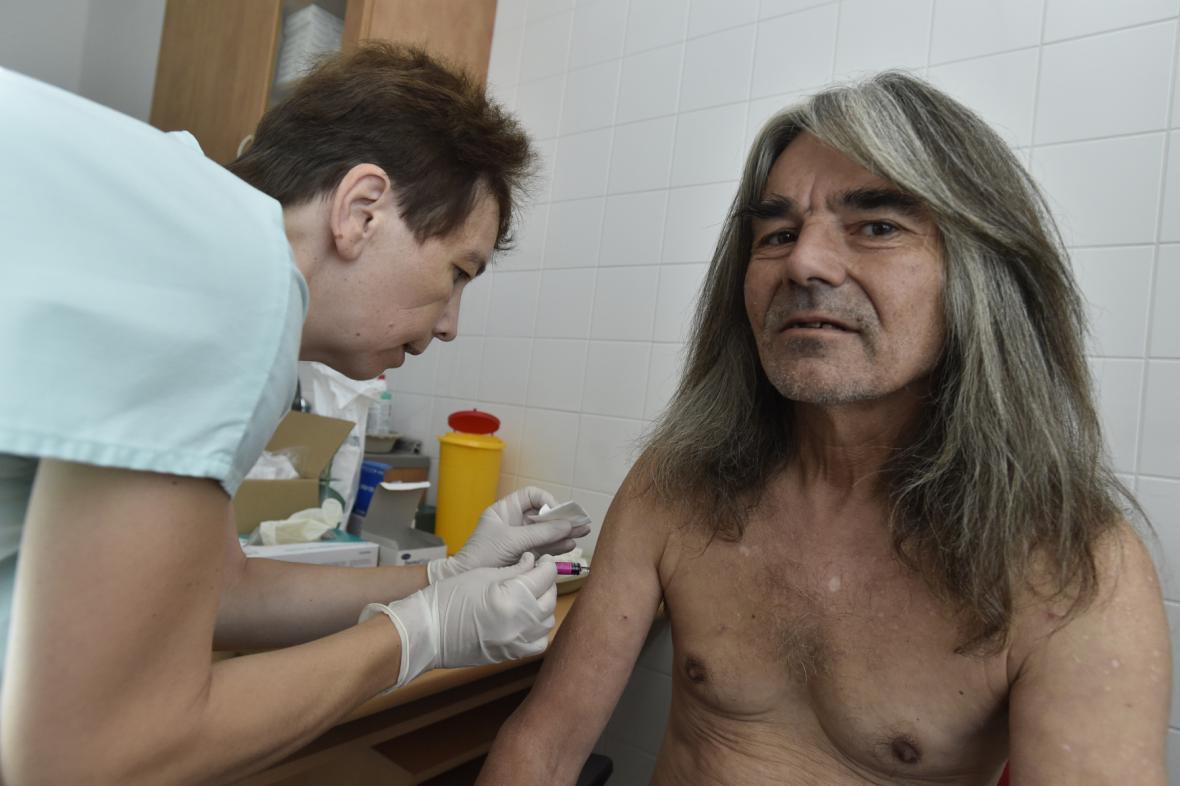 Očkování lidí bez domova v Brně