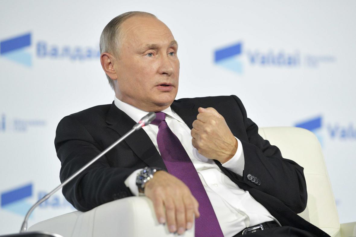 Vladimir Putin během konference v Soči