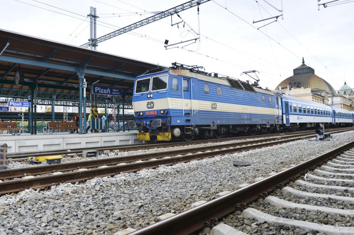 Rychlík do Prahy v Plzni