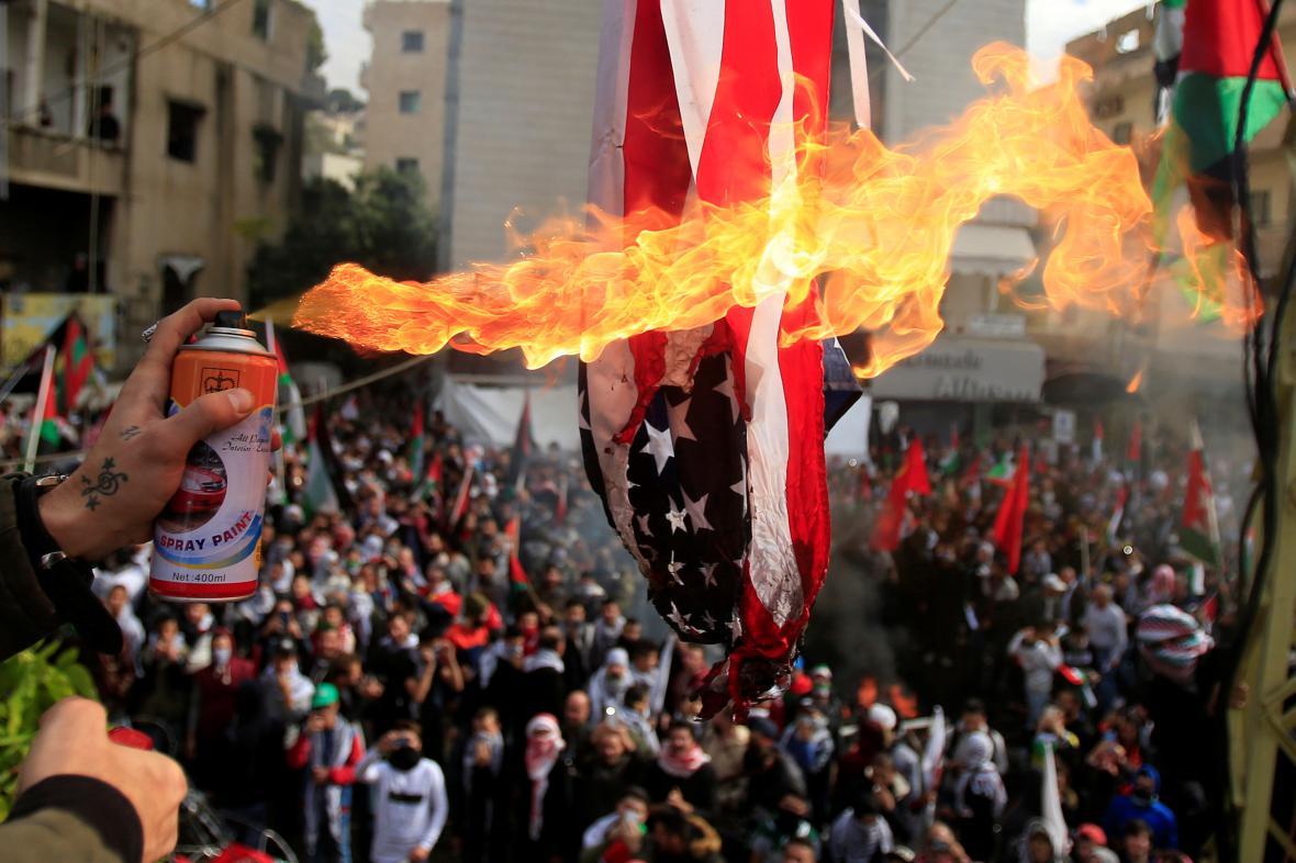 Protest u americké ambasády v Bejrútu