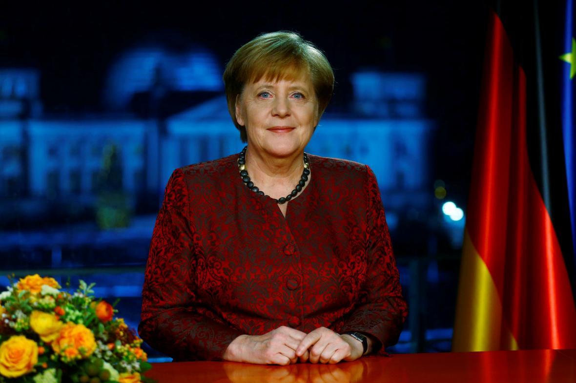 Angela Merkelová během natáčení silvestrovského projevu