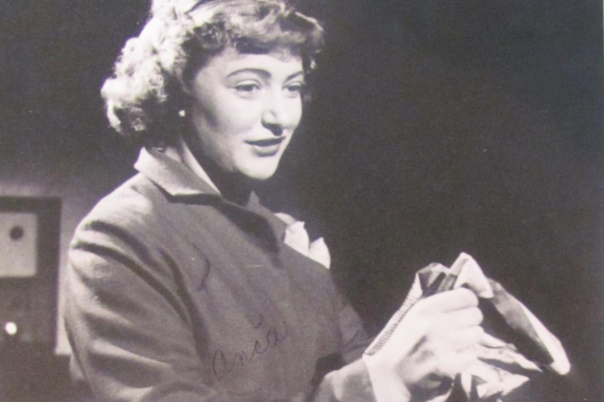 Jiřina Striedňanská v jedné ze svých divadelních rolí