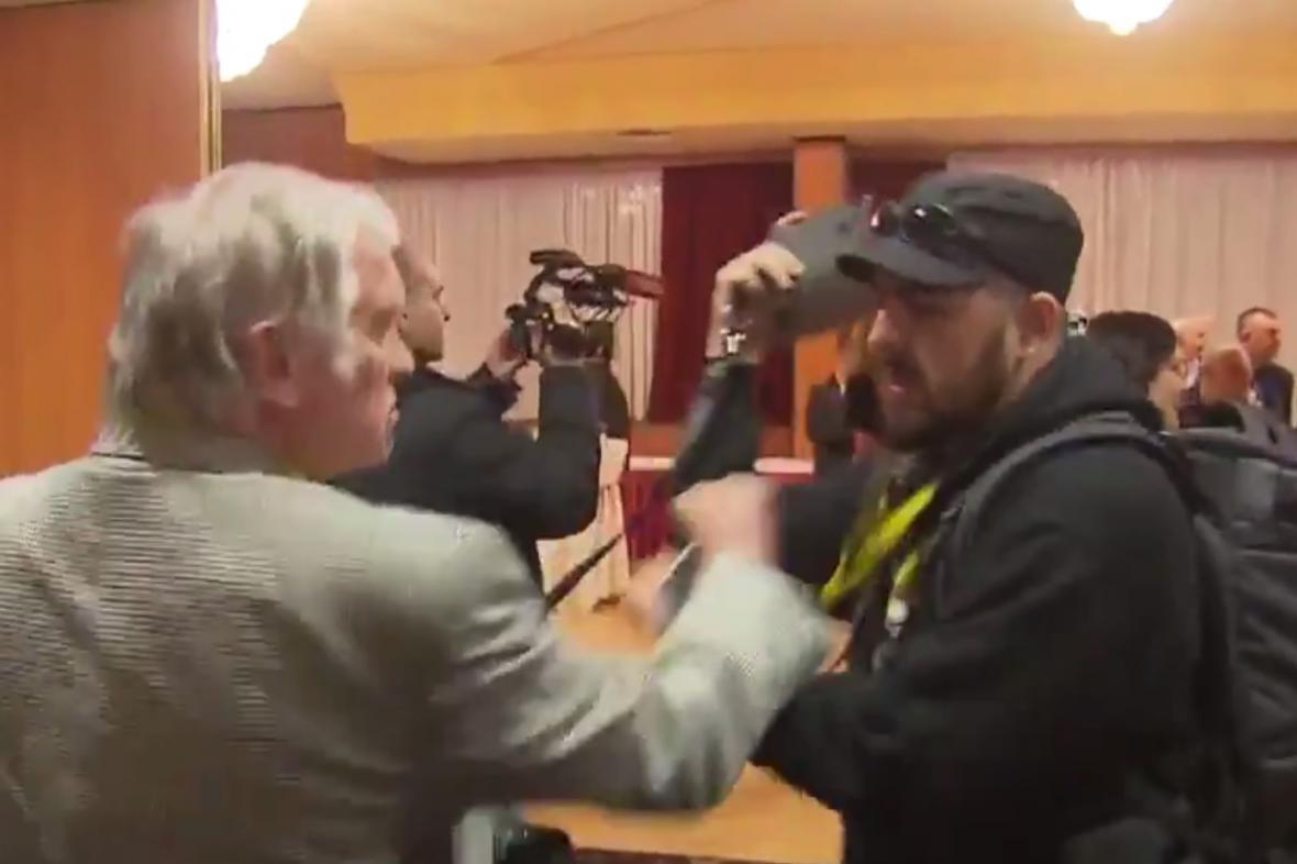 Indident ve volebním štábu Miloše Zemana