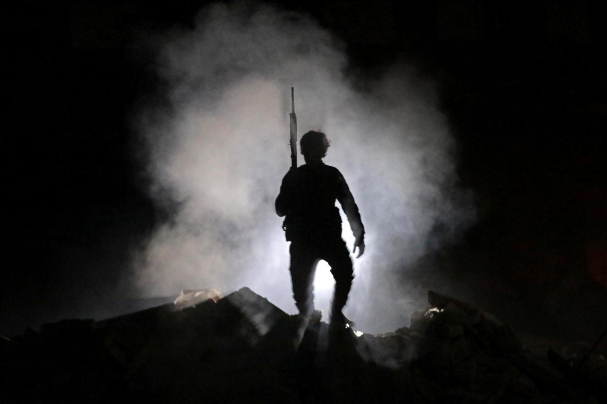 Jeden ze syrských vojáků, který pomáhá turecké armádě v tažení