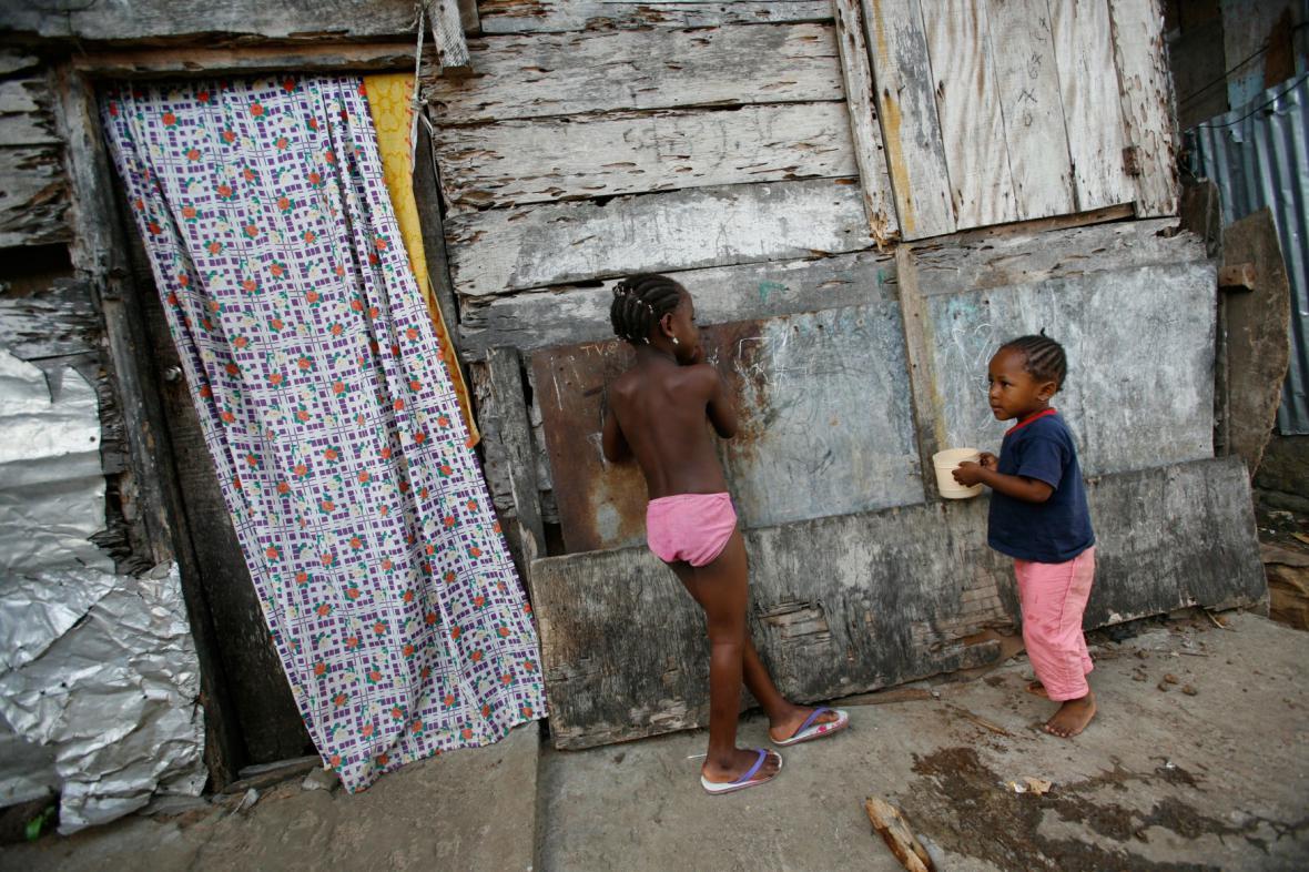 Chudinská čtvrť v gabonské metropoli Libreville