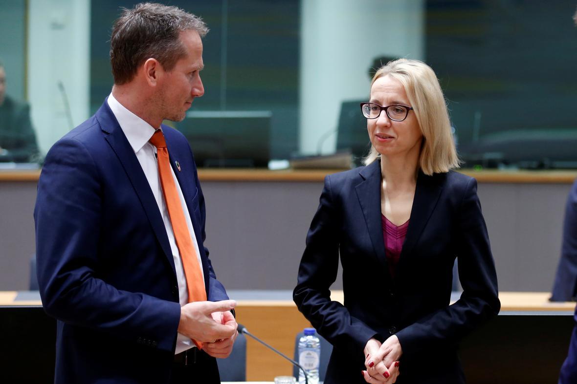 Dánský ministr financí Kristian Jensen a polská ministryně financí Teresa Czerwinska.